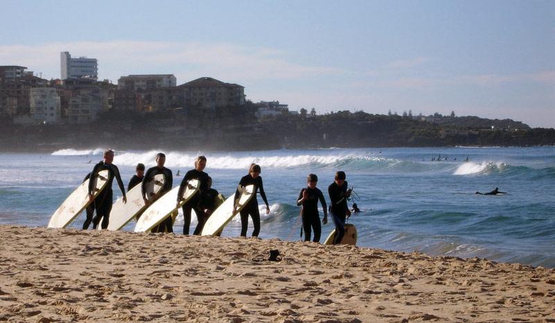 bondi-surfing